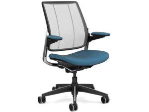 17_humanscale_diffrient_smart_chair_1.jpg