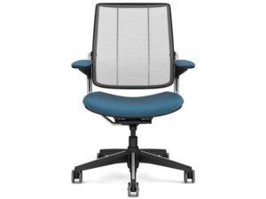 17_humanscale_diffrient_smart_chair_2.jpg