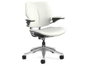 17_humanscale_freedom_headrest_chair_edit2-1.jpg