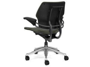 17_humanscale_freedom_headrest_chair_prod3-1.jpg