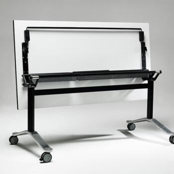 BOOMERANG FLIP TABLE