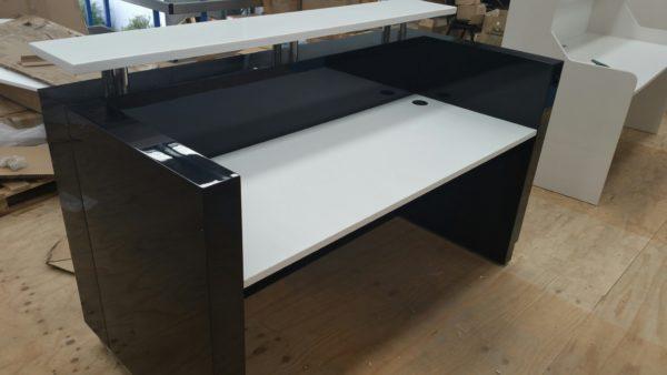Hugo  Reception Desk