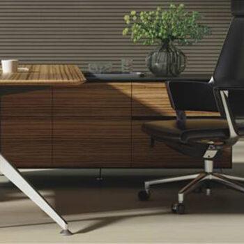Nova Desk with Return